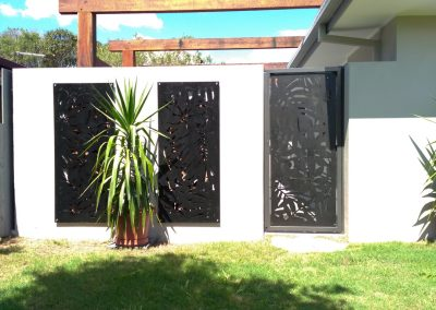 Lockable-steel-frame-courtyard-side-gate-Matching-decorative-panels-walls-2