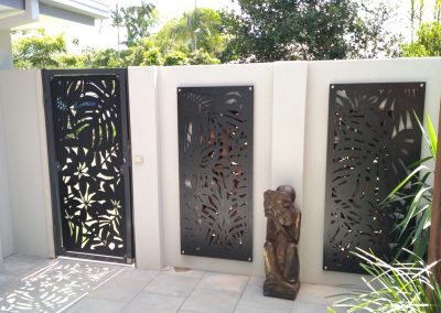 Lockable-steel-frame-courtyard-side-gate-Matching-decorative-panels-walls