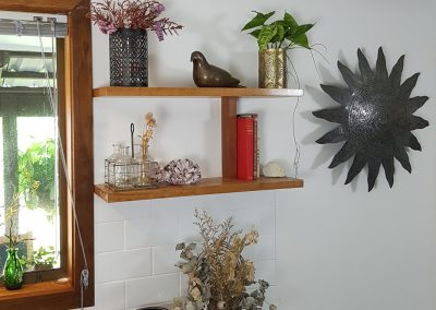 silky-oak-solid-timber-floating-shelves-mullumbimby-nsw