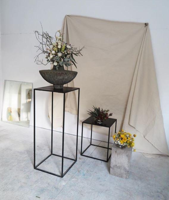 Braer floral design display plinths in black